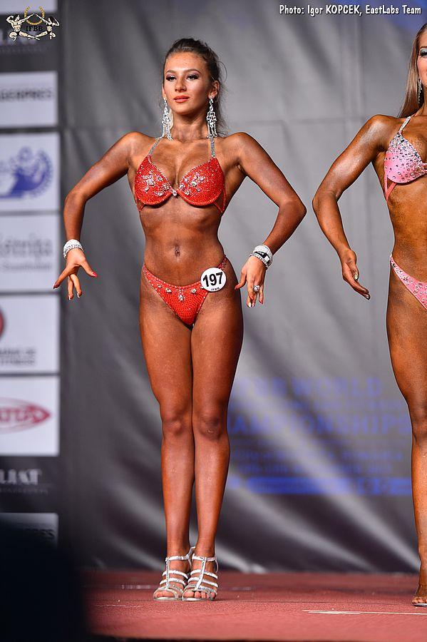 Monica hatte den 7. Platz in der Junioren Bikini Klasse belegt